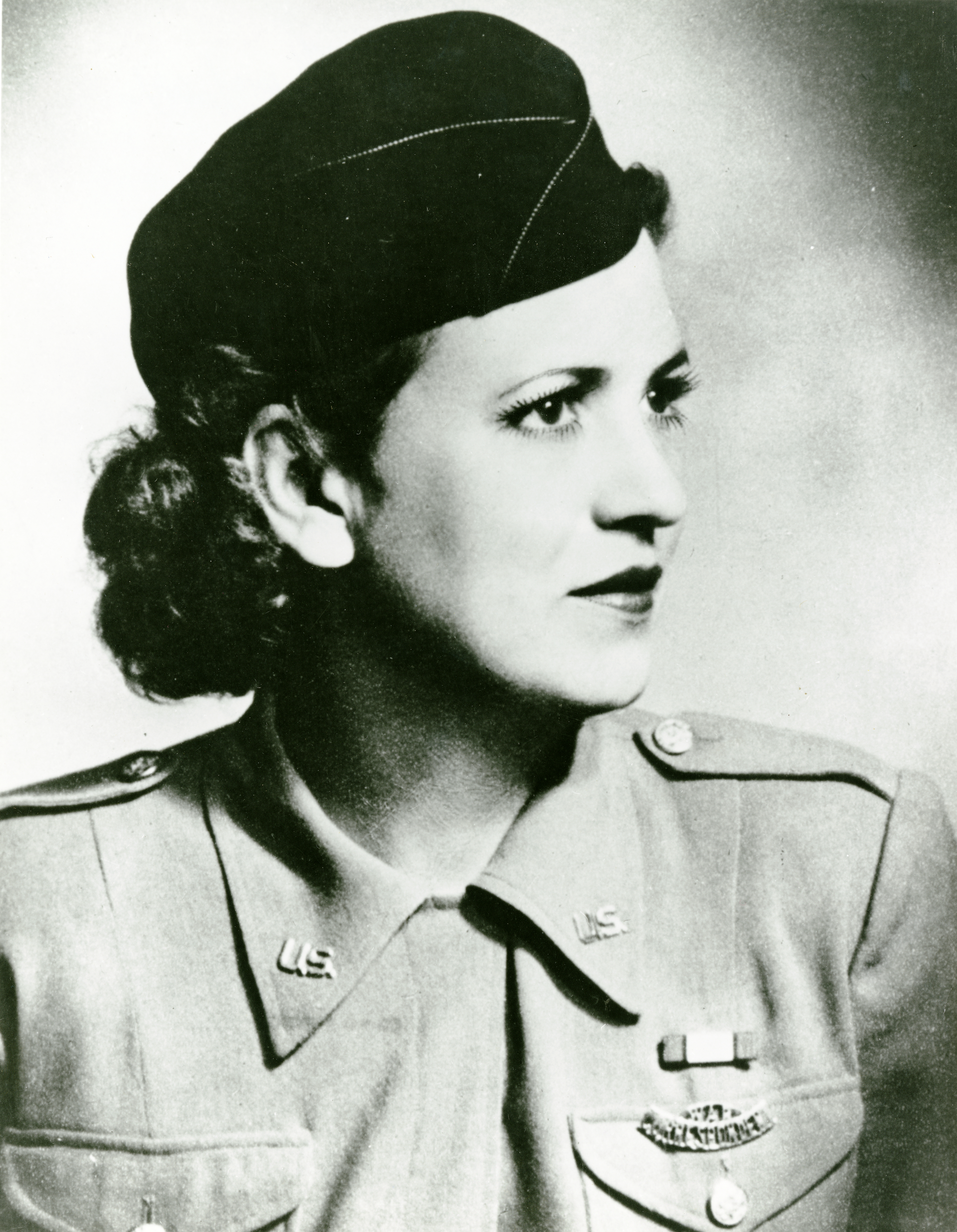 Black and white photo of Jacqueline Cochran