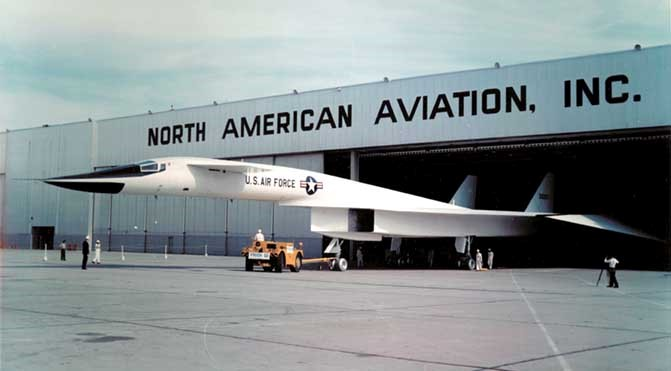 picture of XB-70 rolling out of hangar