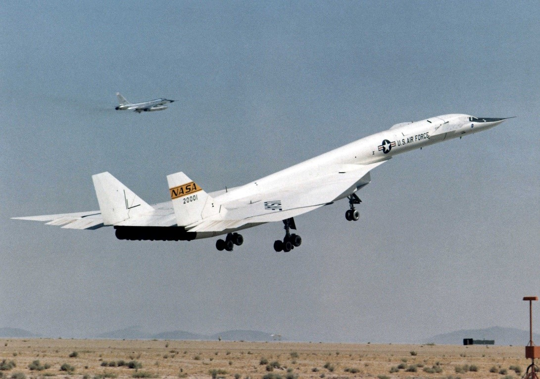 picture of XB-70  taking off