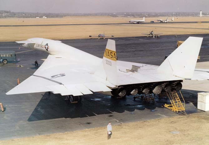 picture of XB-70 at Wright-Patterson flight line